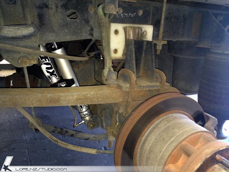 Lorenzindustries Dodge Suspension Reservoir Mount